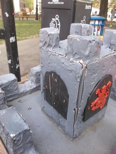 castledigbox_siege_11.jpg
